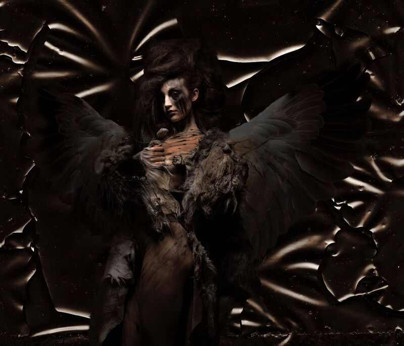 <strong>black angel</strong>